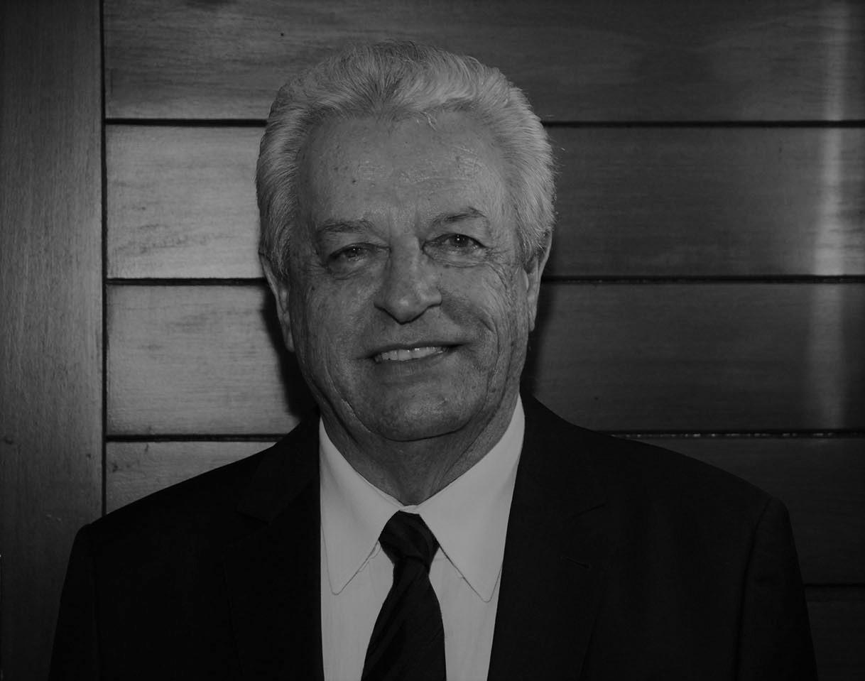 Nota de pesar - Dr.  Nelson Martins Schiavinatto